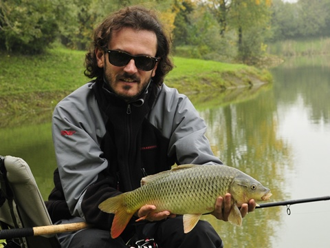Pesca a feeder autunnale in lago