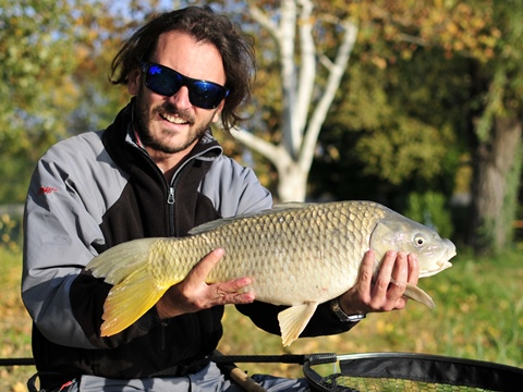 Pesca a feeder col bigattino in inverno